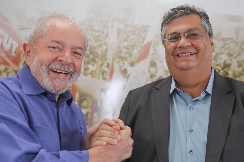 Sem chances reais, Dino apela para 'Lula presidente'