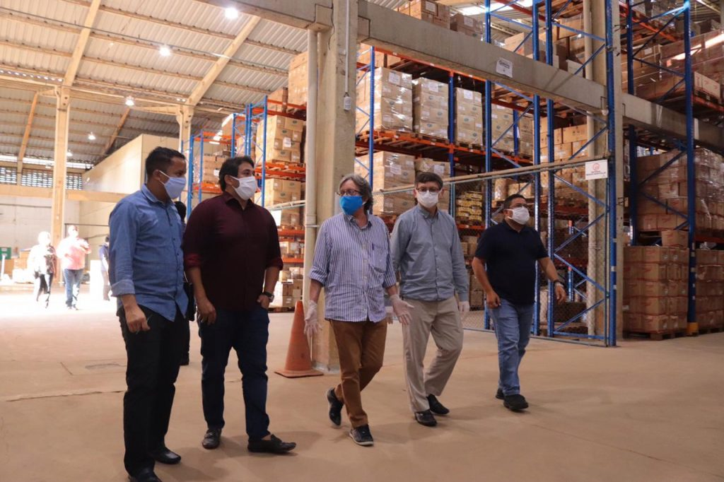 Vereadores de São Luís visitam Almoxarifado Central da SEMUS