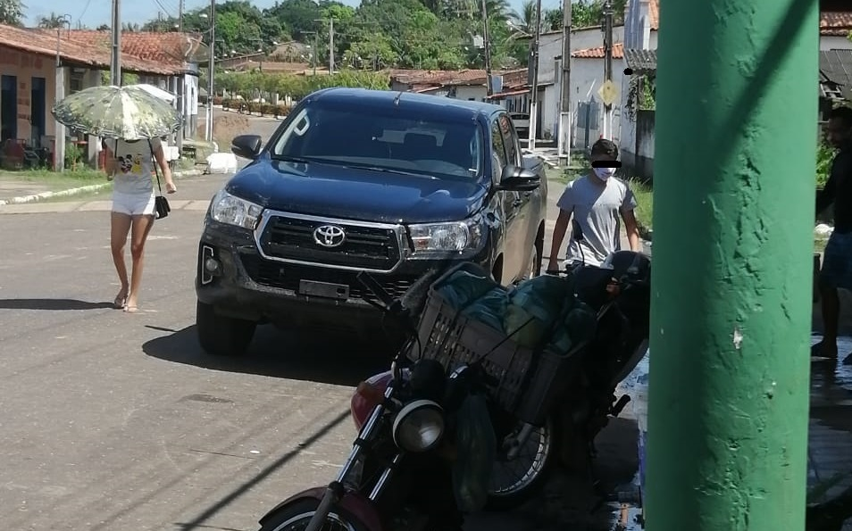 NINA RODRIGUES – Filho de prefeito menor de idade despinta em Hilux 0 km comprada com dinheiro público