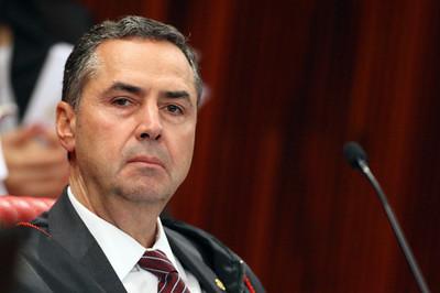 Contador não é responsável por infração tributária, diz Barroso