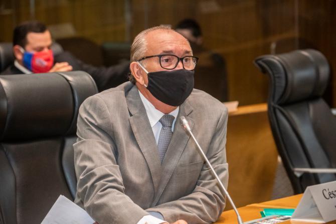 César Pires cobra política de geração de emprego e combate à pobreza