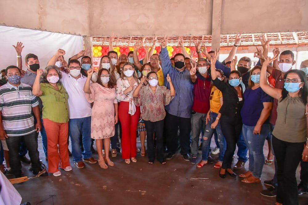 Após dilapidar Paço do Lumiar, 'Novo Núbio' cola em candidato a prefeito de Primeira Cruz