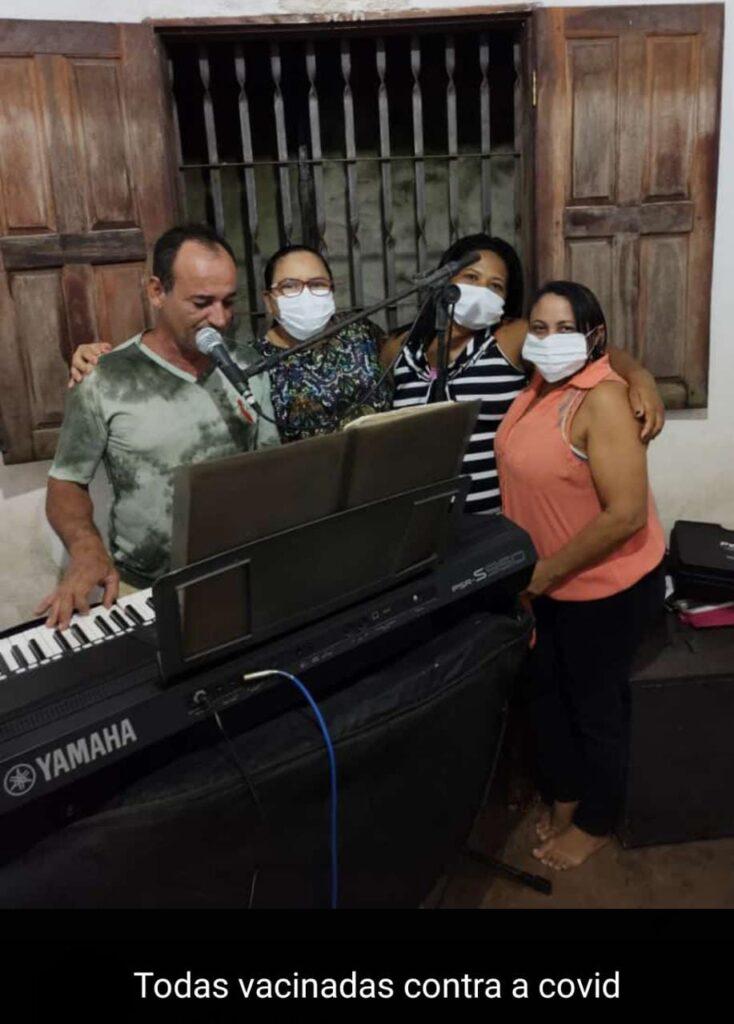 Icatu: no auge da pandemia, equipe do prefeito aglomera em seresta clandestina
