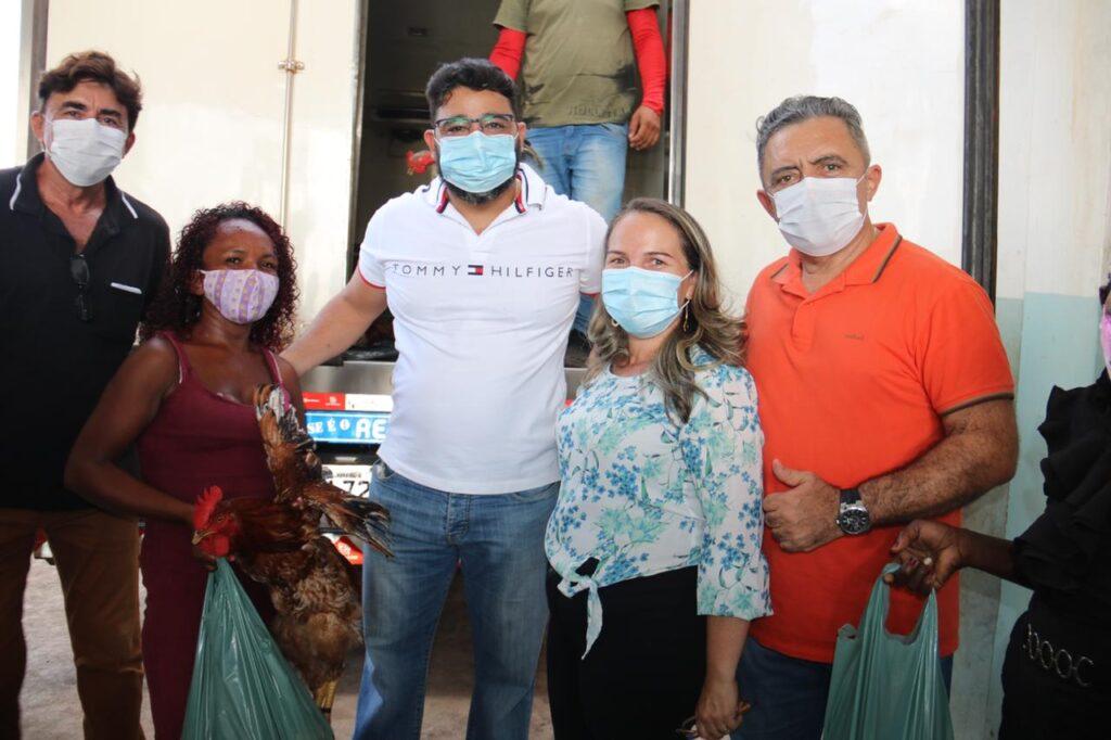 Peritoró: famílias em situação de vulnerabilidade social recebem cestas com produtos da agricultura familiar