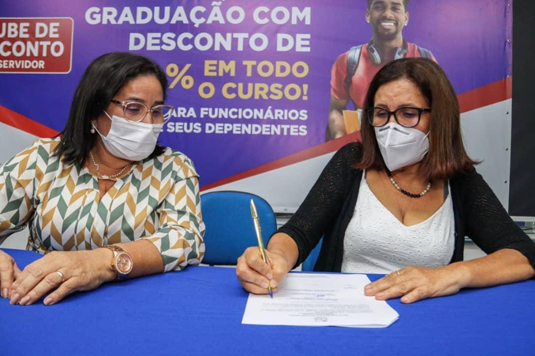 A Faculdade IESF assina convênio com a prefeitura de Paço do Lumiar para conceder 40% de desconto em mensalidades
