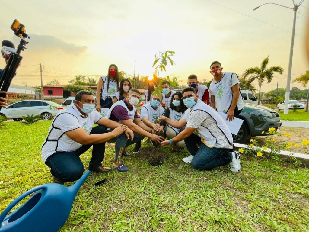 Peritoró: Prefeitura e Agentes Jovens Ambientais celebram Dia da Árvore com plantio e doações de mudas
